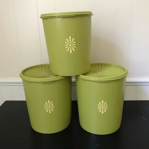 Tupperware Avocado Olive Green Nesting Canisters